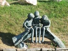 Kids at play statue - Arthur Chapman